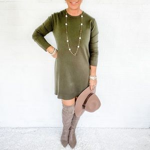 🍁👜 Forever 21 Olive Green Sweater Dress - M